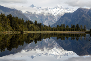Lake Matheson on West Coast in New Zealand Wallpaper for Android, iPhone and iPad