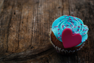 Love Cupcake Background for Android, iPhone and iPad