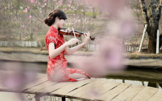 Pretty Asian Girl Violinist - Obrázkek zdarma pro Widescreen Desktop PC 1920x1080 Full HD