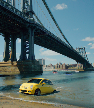 Yellow Fiat 500 Under Bridge In New York City - Obrázkek zdarma pro Nokia Asha 309