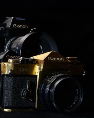 Canon F1 Reflex Camera Wallpaper for 240x320