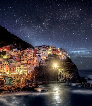 Night Italy Coast sfondi gratuiti per HTC Titan