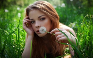 Redhead Girl With Dandelion sfondi gratuiti per cellulari Android, iPhone, iPad e desktop