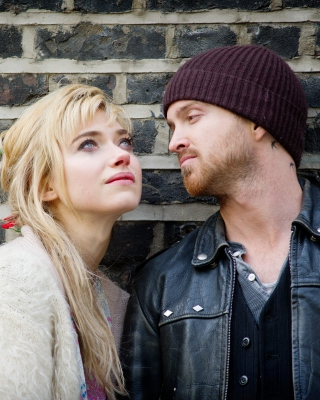 A Long Way Down with Aaron Paul and Imogen Poots - Obrázkek zdarma pro 768x1280