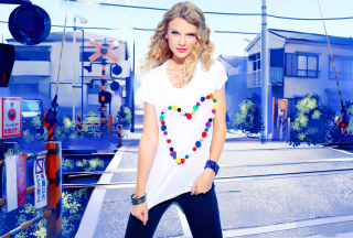Free Cool Taylor Swift Picture for Android, iPhone and iPad