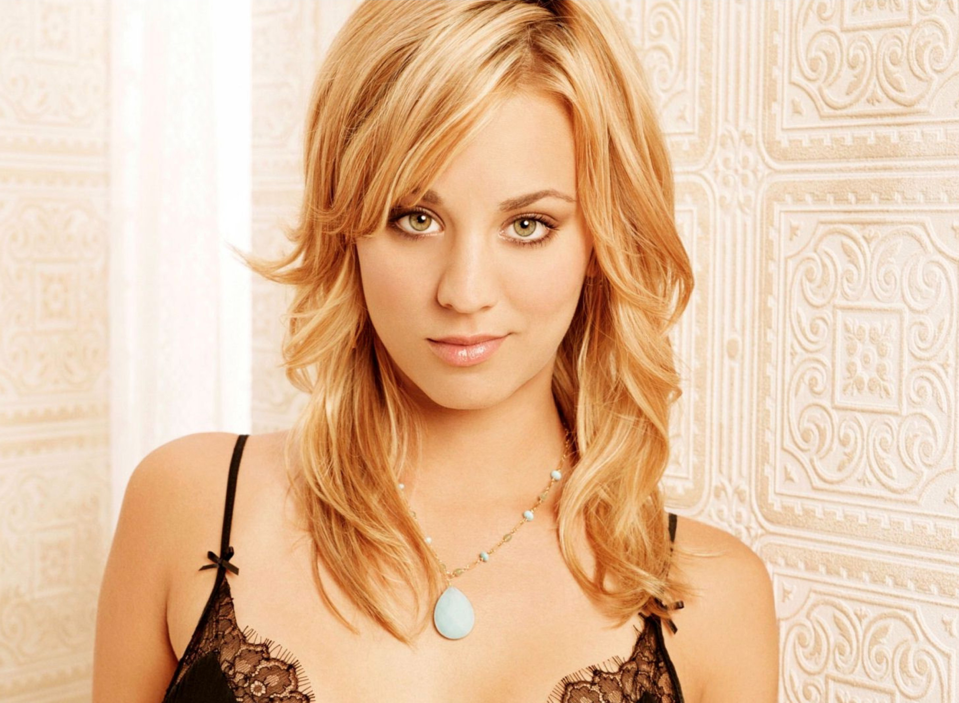 Screenshot №1 pro téma Kaley Cuoco from The Big Bang Theory 1920x1408