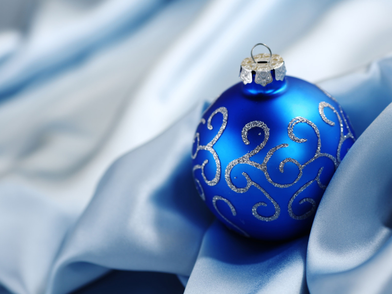 Christmas Decorations wallpaper 1280x960