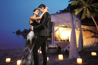 Free Romantic Dinner Picture for Android, iPhone and iPad