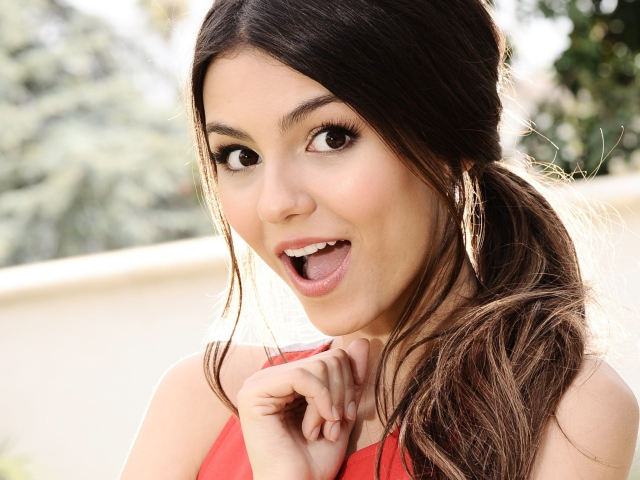 Victoria Justice for Huawei M865