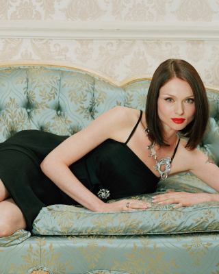 Free Sophie Ellis Bextor Singer Picture for HTC Titan