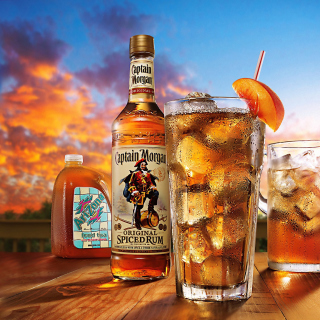 Captain Morgan Rum in Cuba Libre sfondi gratuiti per iPad 3