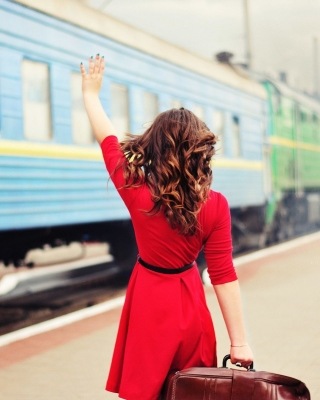 Kostenloses Girl traveling from train station Wallpaper für Nokia Lumia 925
