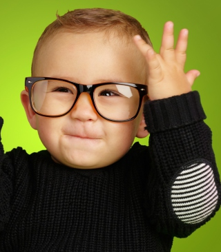 Happy Baby Boy In Fashion Glasses - Obrázkek zdarma pro iPhone 6 Plus
