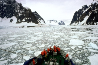 Antarctic Travel Picture for Android, iPhone and iPad