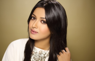 Catherine Tresa Picture for Android, iPhone and iPad