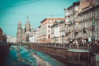 Beautiful St. Petersburg City sfondi gratuiti per Samsung Galaxy Pop SHV-E220
