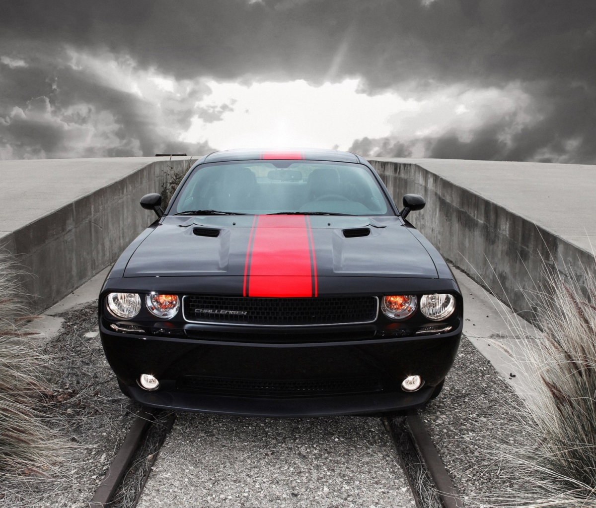Screenshot №1 pro téma Dodge Challenger Front View 1200x1024