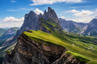 Parco Naturale Puez Odle Dolomites South Tyrol in Italy Background for 1366x768