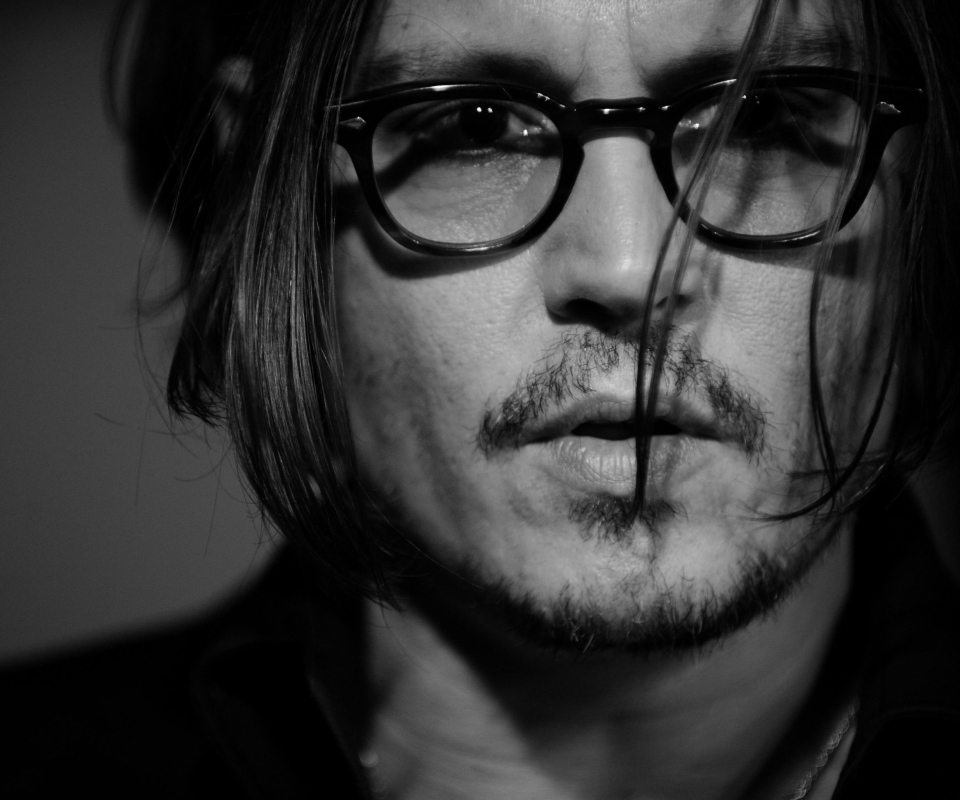 Screenshot №1 pro téma Johnny Depp Black And White Portrait 960x800