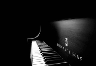 Steinway Piano Picture for Android, iPhone and iPad