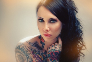 Blue Eyed Tattooed Brunette Picture for Android, iPhone and iPad