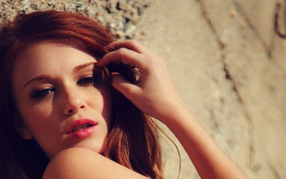 Free Beautiful Redhead Model Picture for Android, iPhone and iPad