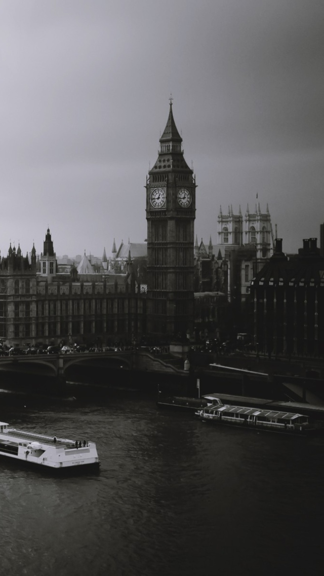 Screenshot №1 pro téma London City Black And White 640x1136