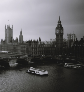 London City Black And White - Obrázkek zdarma pro iPad 3