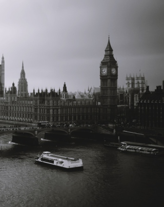 Kostenloses London City Black And White Wallpaper für 640x1136