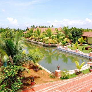 Alleppey or Alappuzha city in the southern Indian state of Kerala - Obrázkek zdarma pro 208x208