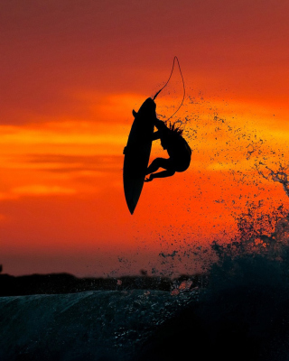 Extreme Surfing Wallpaper for HTC Titan