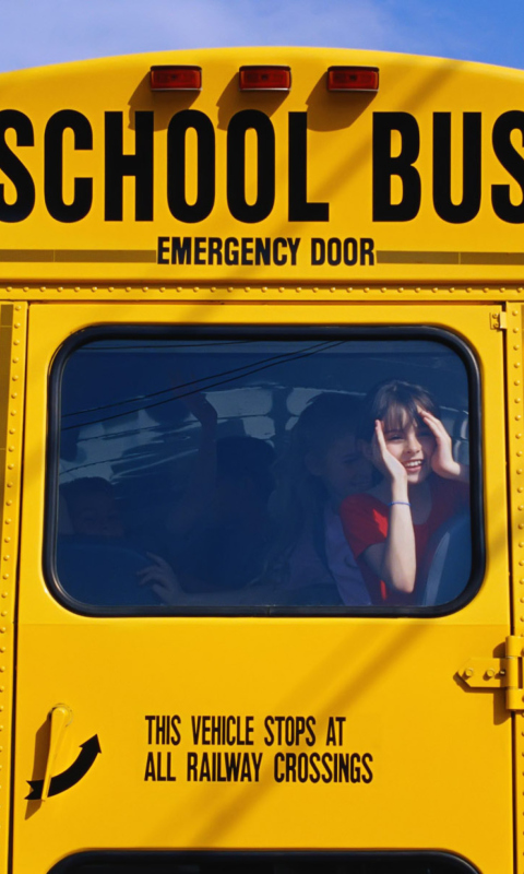 School Bus wallpaper 480x800