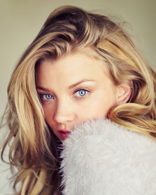 Natalie Dormer Background for HTC Titan