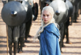 Free Emilia Clarke In Game Of Thrones Picture for Samsung Galaxy Ace 4