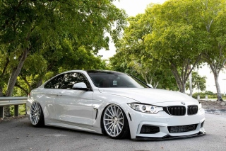 BMW 4 Series White Picture for Samsung Galaxy Note 2 N7100