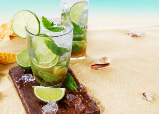 Mojito On Beach Background for Android, iPhone and iPad