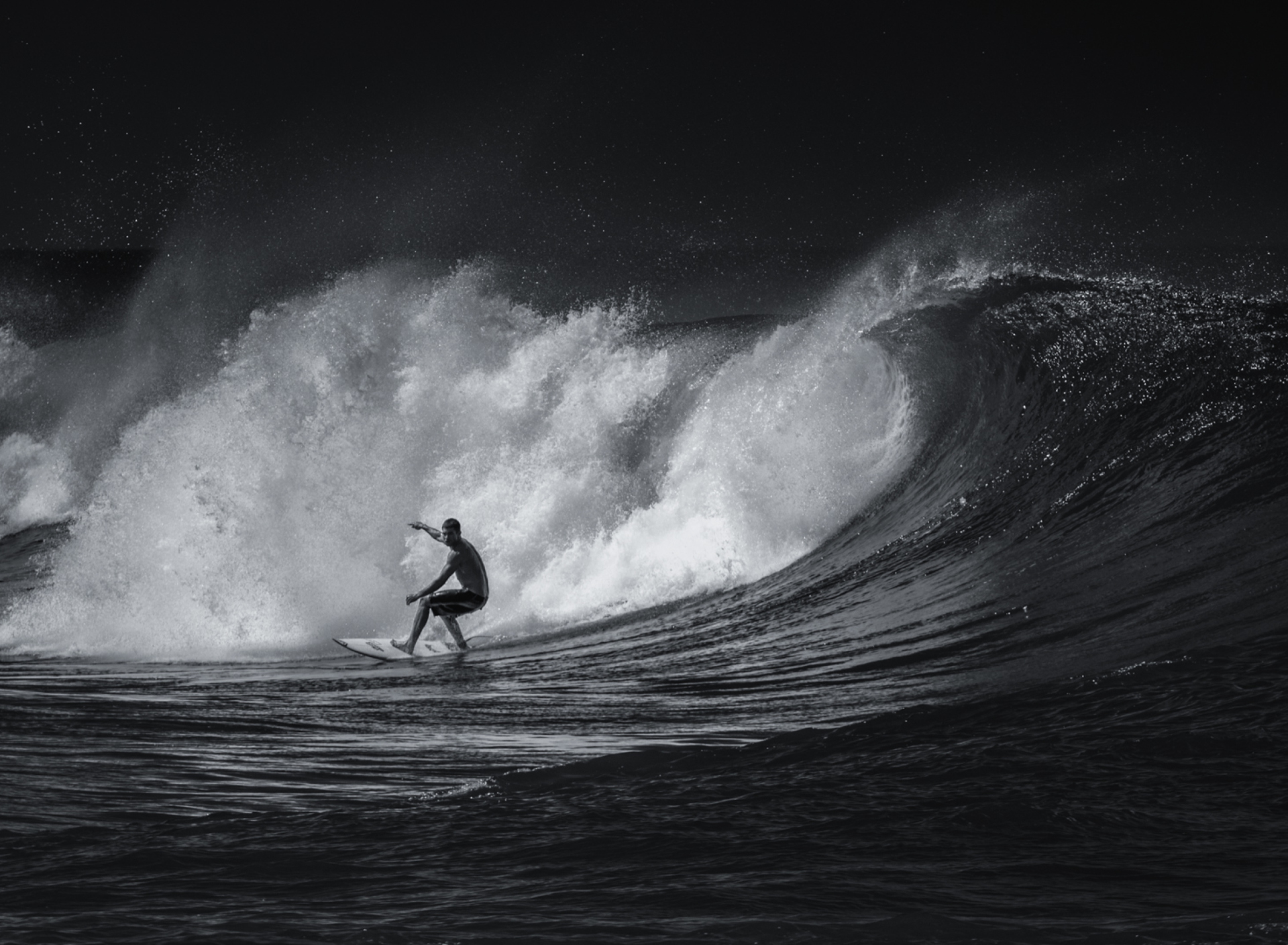 Screenshot №1 pro téma Black And White Surfing 1920x1408