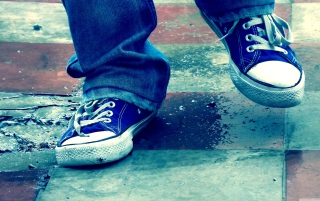Free Blue Shoes Picture for Android, iPhone and iPad