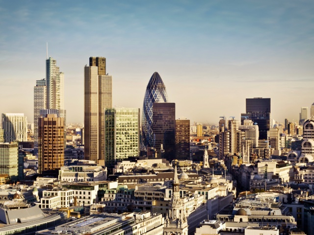 Screenshot №1 pro téma London Skyscraper District with 30 St Mary Axe 640x480