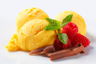 Ice cream with strawberry - Fondos de pantalla gratis