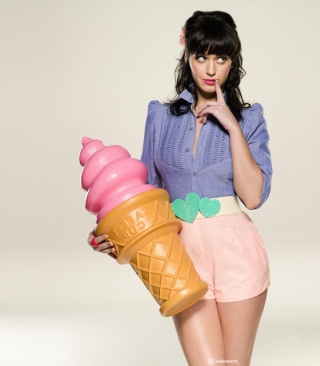Katy Perry Ice-Cream sfondi gratuiti per Nokia C2-02