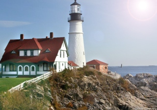 Free Fort Williams Lighthouse Picture for Android, iPhone and iPad