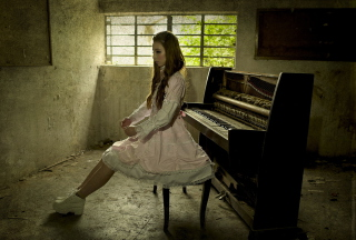 Girl And Piano Background for Android, iPhone and iPad