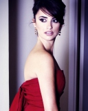 Screenshot №1 pro téma Penelope Cruz In Red Dress 128x160