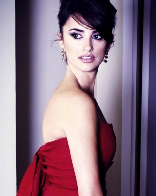 Penelope Cruz In Red Dress sfondi gratuiti per Nokia Asha 305