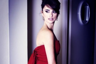 Penelope Cruz In Red Dress papel de parede para celular
