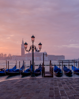 Free Venice Morning Picture for Nokia C1-01