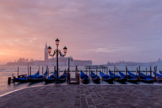 Venice Morning Background for Android, iPhone and iPad
