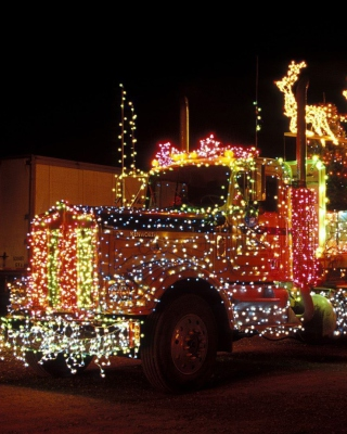 Free Xmas Truck in Lights Picture for Nokia C-5 5MP