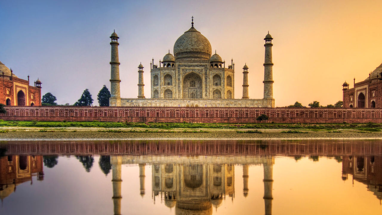 tajmahal hindi The taj mahal is india's most popular tourist attraction, however, many visitors leave without knowing the real story unsurprisingly, the popularity of the taj mahal means that the surrounding neighborhood has turned into a tourist trap.